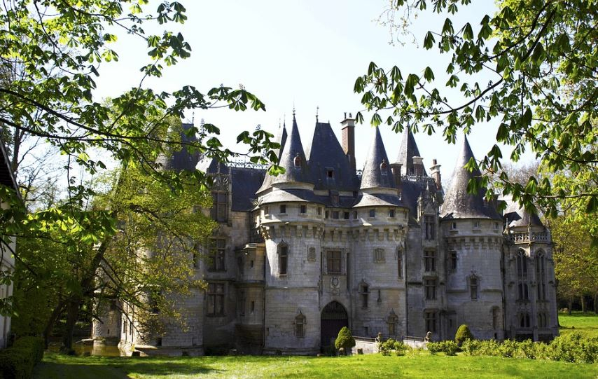 fachadas-de-castillos-enormes