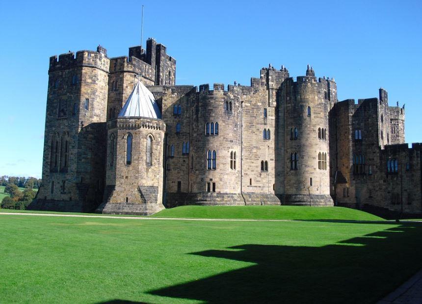fachadas-de-castillos-medievales-reales