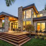 Casa con piedra y deck