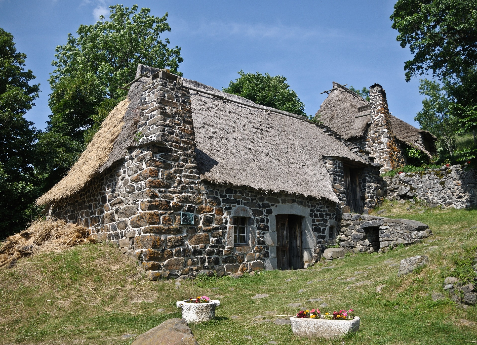 Stone-rustic houses