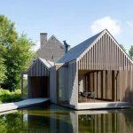 Casa sobre el lago
