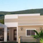 Fachadas de casas de una planta con garaje abierto