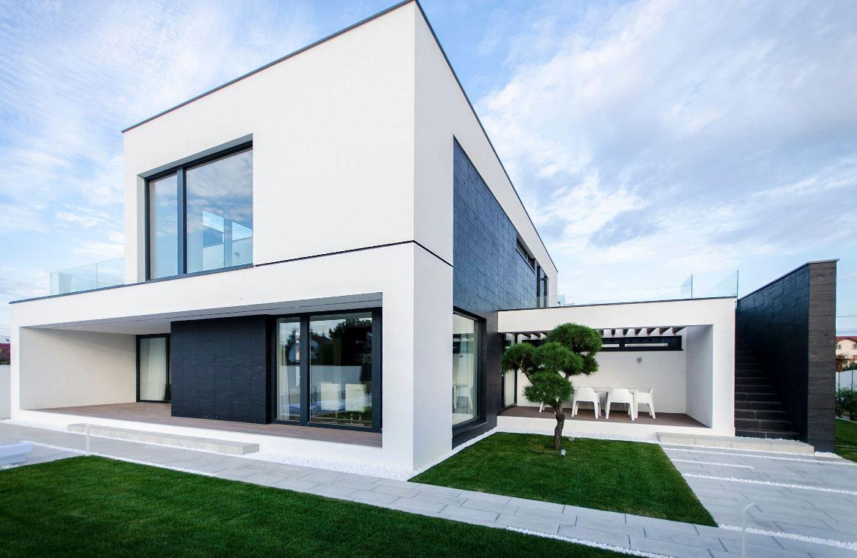 Carta de colores para fachadas for Casa moderna blanca