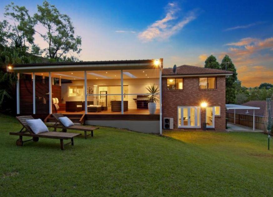 Imagenes de fachadas con galeria for Casa quinchos modernos fotos