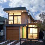 Fachada de casa moderna para terreno angosto