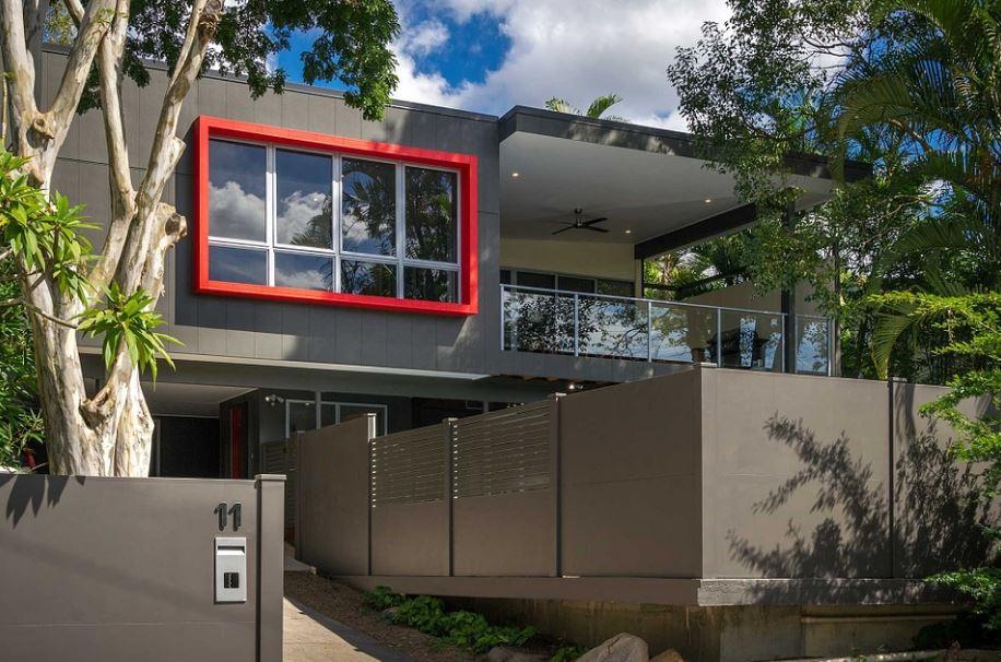 Fachada moderna con balcon terraza for Fachadas de casas con terraza