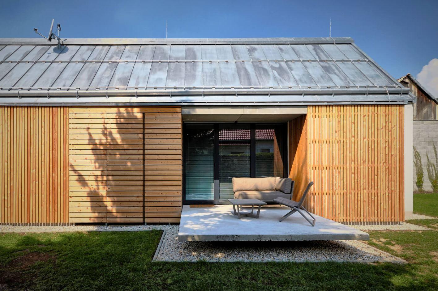 Fachadas de casas con techo a dos aguas - Casas de madera ...