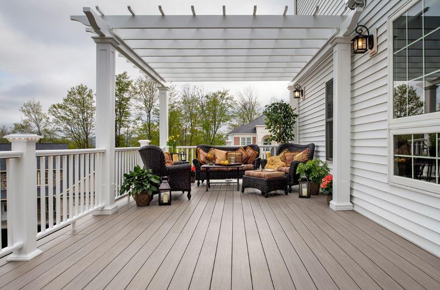 Patios terrazas y balcones for Pisos para patios y jardines