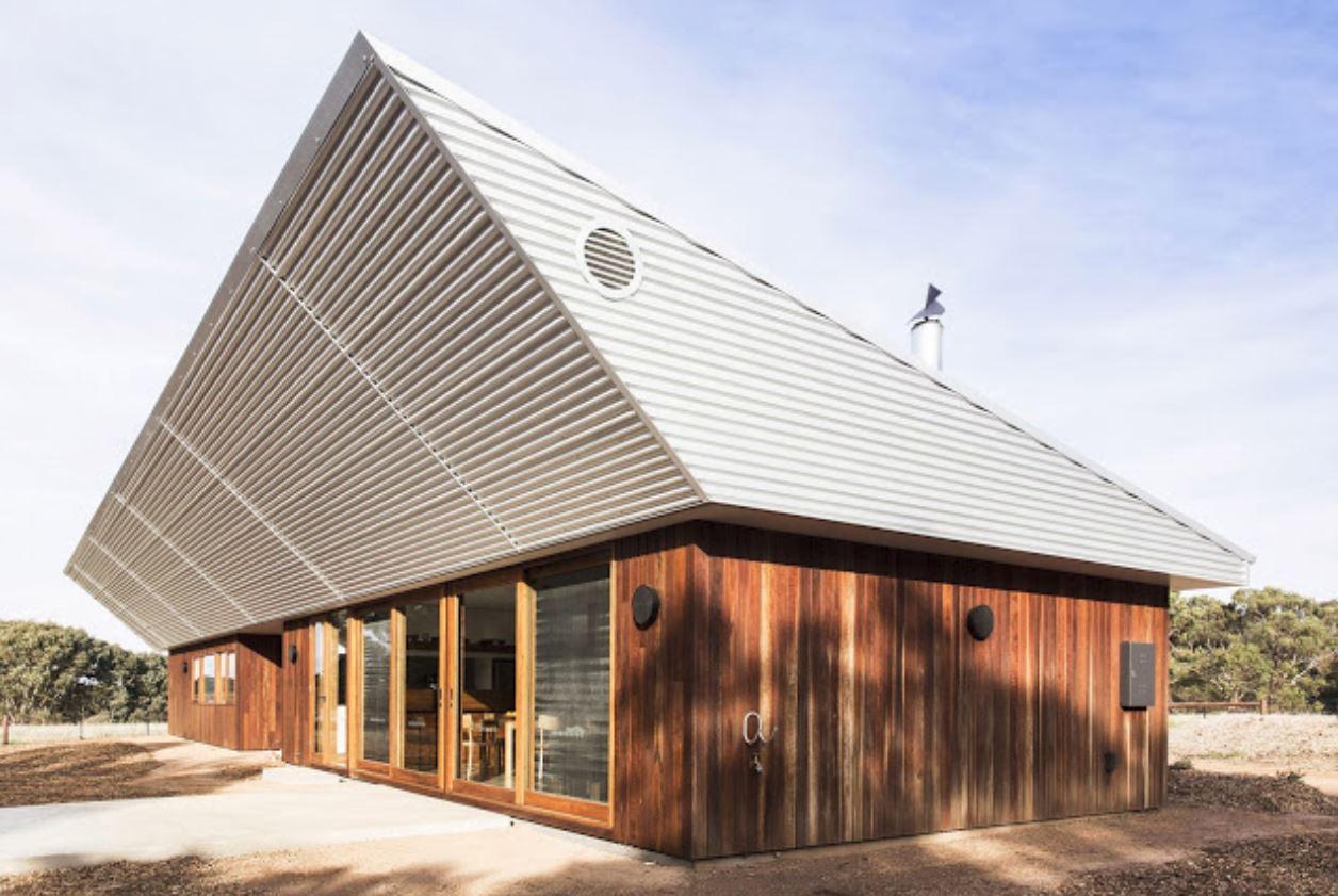 Fachadas de casas de 1 piso for Modelos de casas con techos de chapas