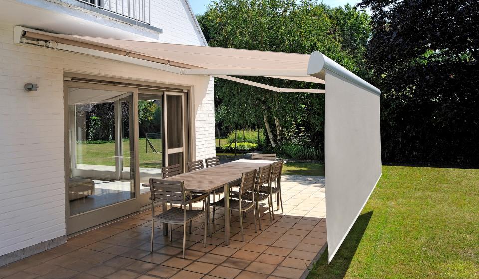 Patios terrazas y balcones for Toldos de lona para balcones