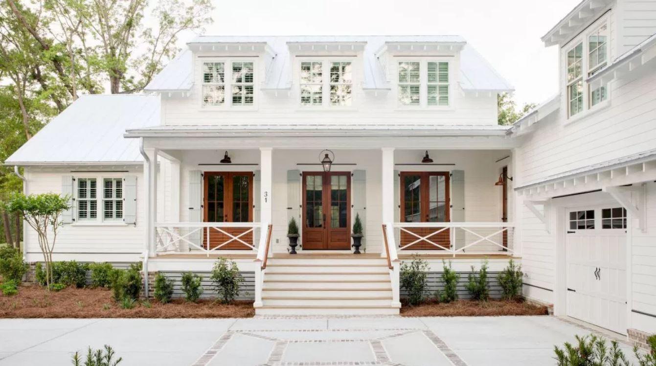 Fachadas de casas de madera pintadas for Casas pintadas bonitas