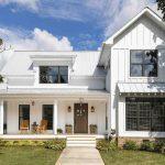 Fachadas de casas de madera pintadas de blanco – 20 hermosos diseños