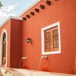 10 Fachadas de casas de color teja