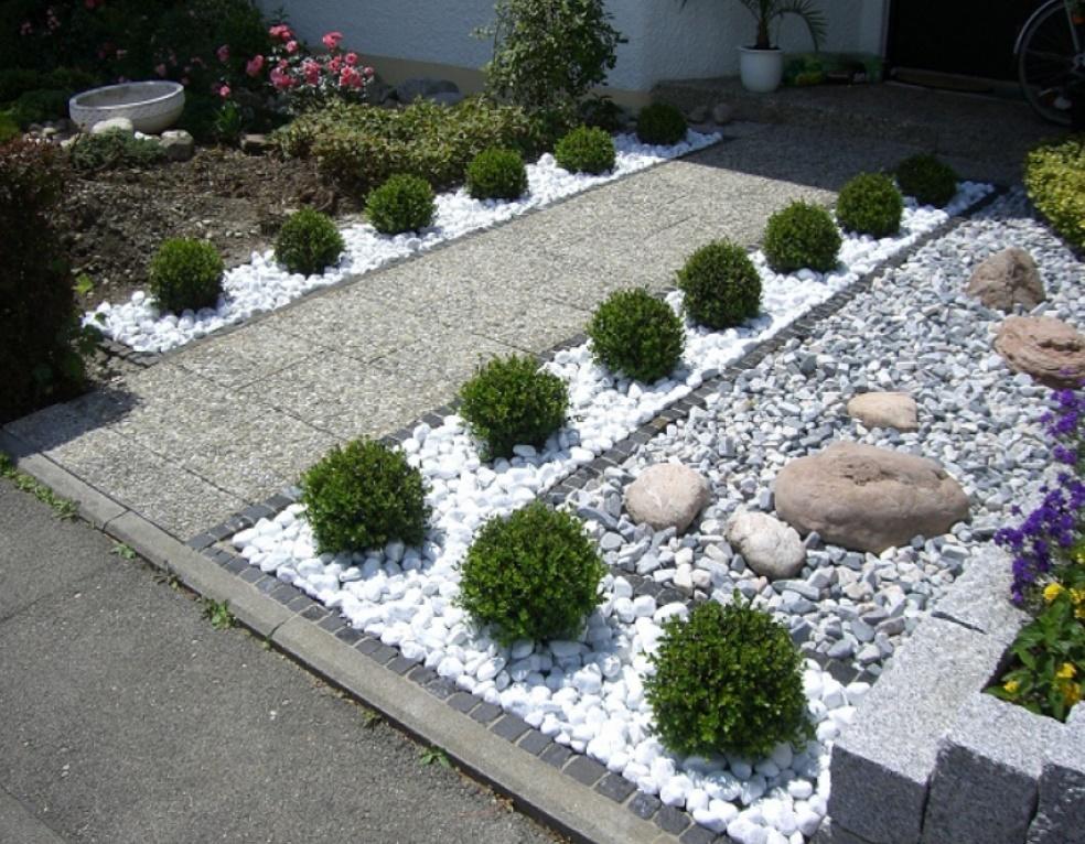 10 ideas para decorar patios con piedras naturales for Como decorar un patio con piedras