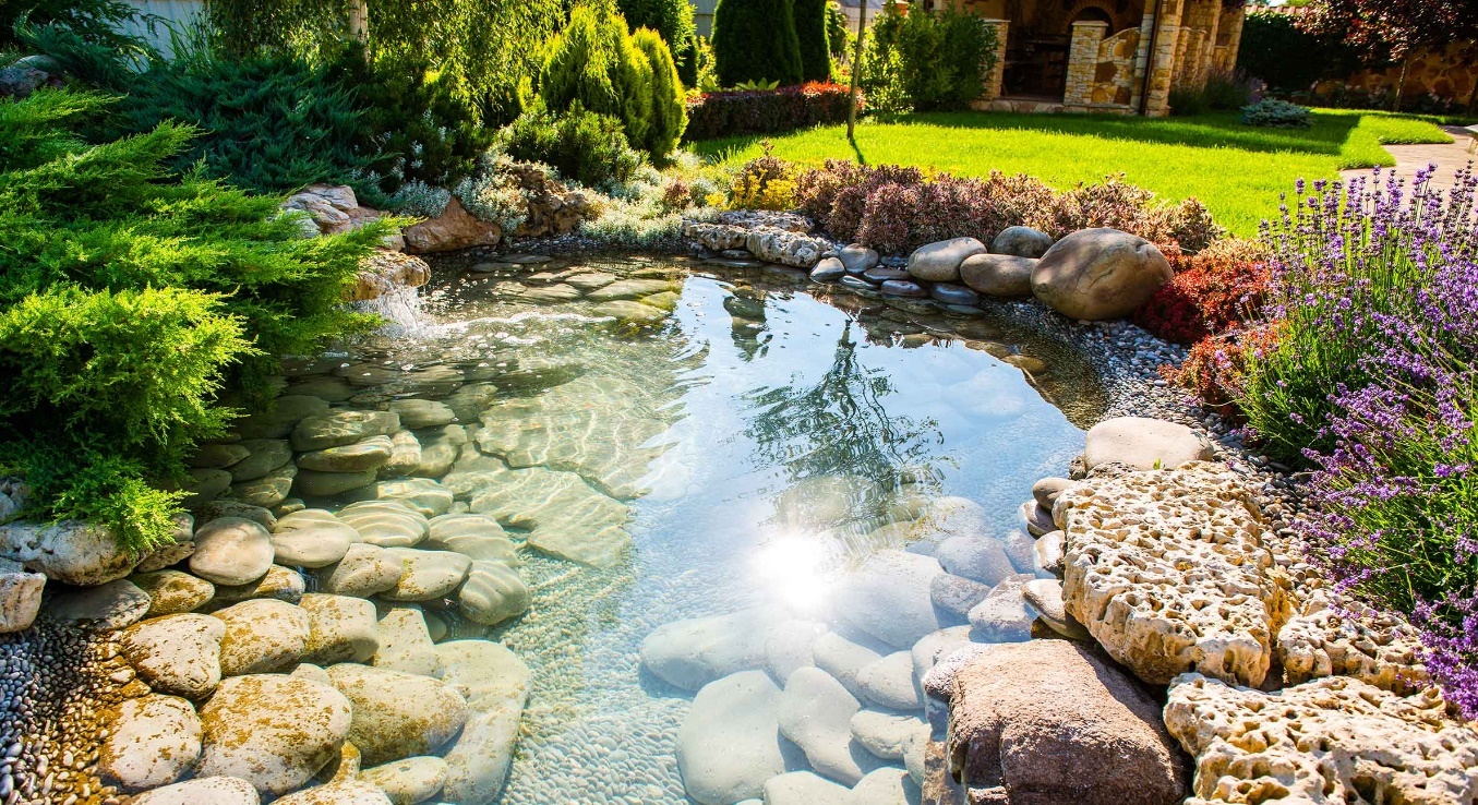 10 ideas para decorar patios con piedras naturales Piedras estanque