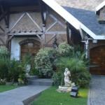 Fachadas de casas con fuentes