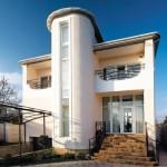 Fachadas bonitas de casas de 2 pisos