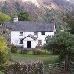 Casa de campo con techo de pizarra